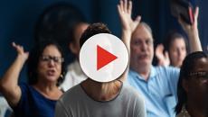 'A Dona do Pedaço': Régis se converte durante culto