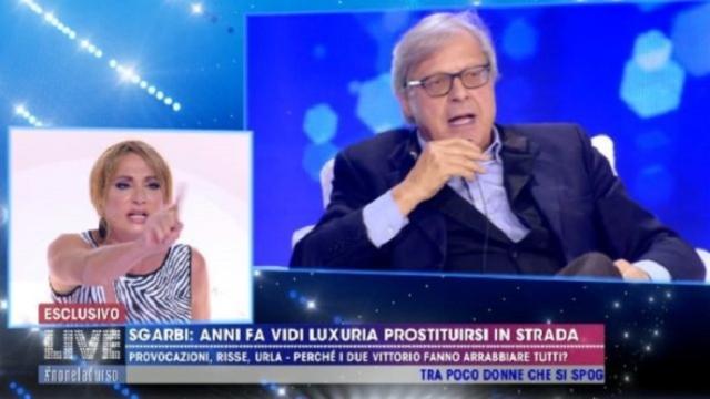 Live-Non è la D'Urso: Sgarbi sostiene che Vladimir Luxuria fosse un prostituta, lei nega