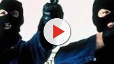 Brindisi, assalto al Mc Donald's dei rapinatori nell'ora di punta: rubati 4.000 euro
