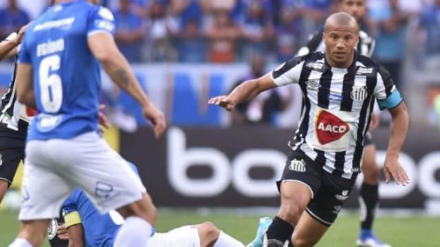 Santos x Cruzeiro: onde ver ao vivo, escalações e desfalqiues