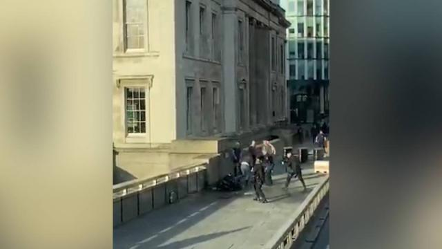 2 killed, 3 wounded in London Bridge stabbing