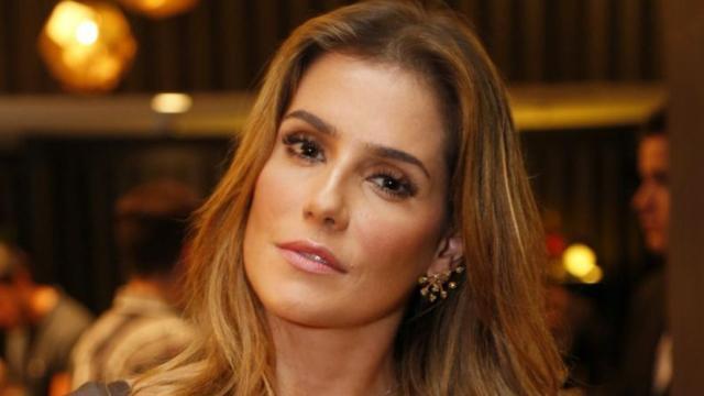 Deborah Secco comenta sobre relação com homem casado: 'eu estava muito, muito infeliz'