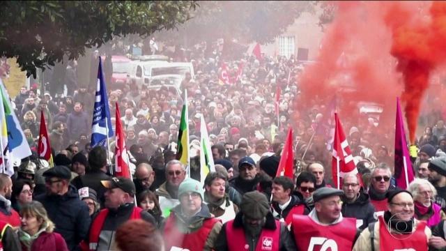 Sindicatos franceses decidem manter a greve por tempo indeterminado