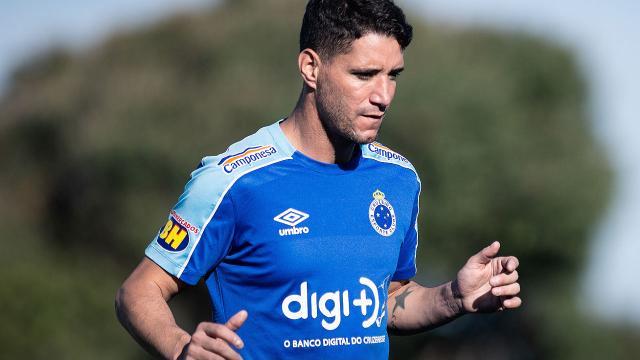 Cruzeiro colocou Thiago Neves para doação