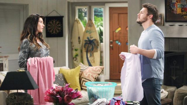 Beautiful, anticipazioni: Reese vende Beth all'inconsapevole Steffy