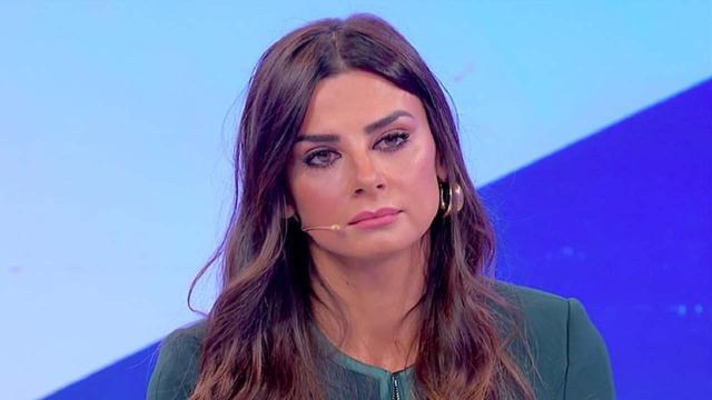 Serena Enardu ammette di essere seguita da uno psicologo