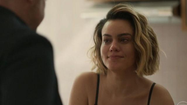 'Amor de Mãe': Estela coloca presente íntimo na cama de Raul para prejudicar ex-amante