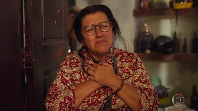 'Amor de Mãe': Raul emociona Sandro ao comprar casa de volta e descobrem pista de Domênico