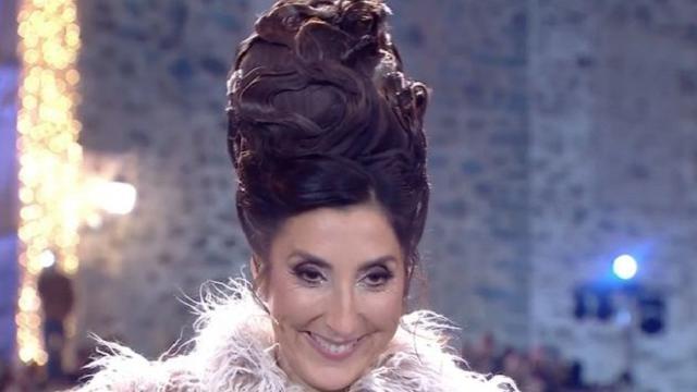 Paz Padilla deslumbra en las Camapanadas con un vestido de Alejandro de Miguel