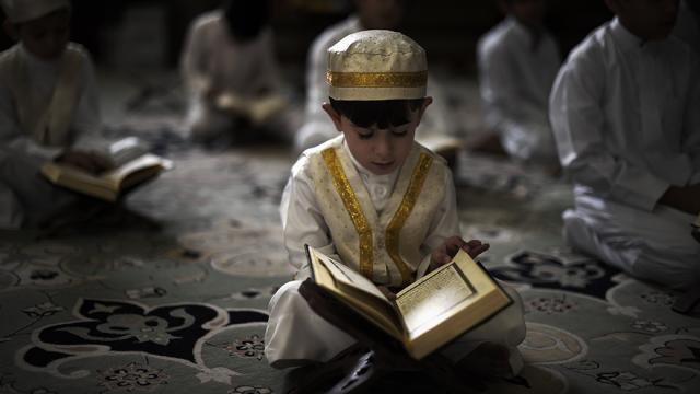 Criança de 14 anos é obrigada a se casar no Paquistão