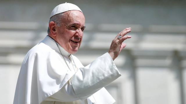 Papa quer ficar perto dos fieis e dificulta vida dos seguranças