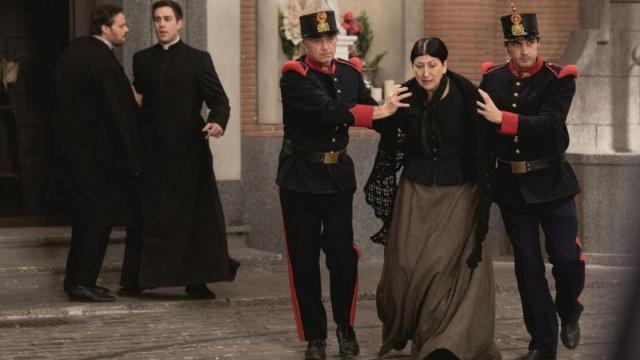 ANTICIPAZIONI / Una Vita: Ursula in carcere accusata di aver ucciso Fra Guillermo