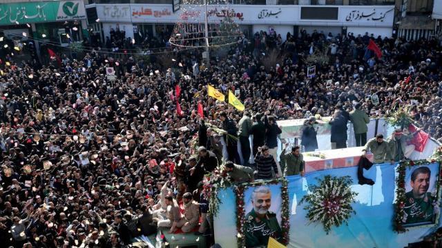 Confusão durante funeral de Suleimani deixa aproximadamente 56 mortos no Irã