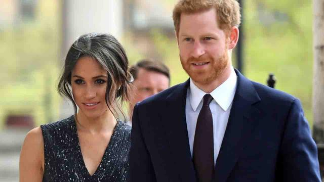 Harry e Meghan annunciano il divorzio dalla famiglia reale: 'Vogliamo lavorare'