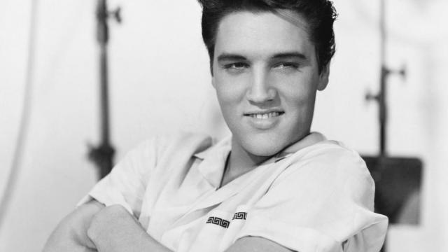 Custom-made 9-layer cake reveal opens up Elvis Presley's 85th birthday celebration