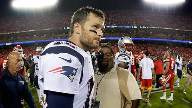 Dwayne Johnson and teammates show support for Tom Brady