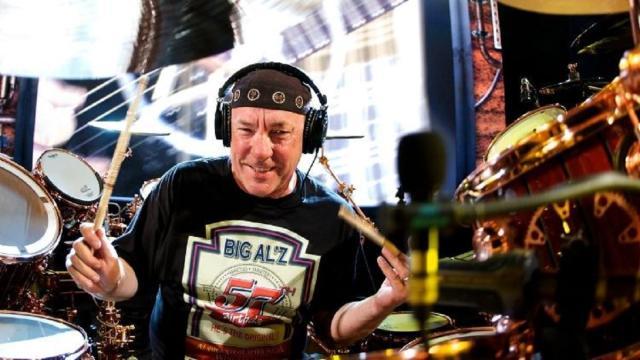 Neil Peart, baterista da banda Rush morre aos 67 anos