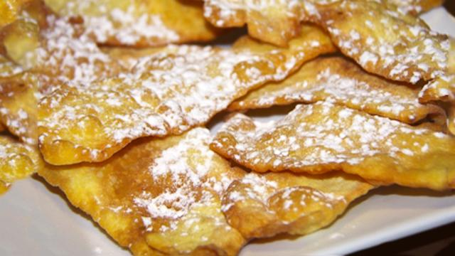 La ricetta delle chiacchiere, il classico dolce di Carnevale