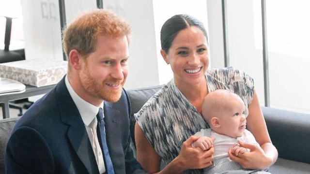 Jornal internacional diz que saída de Meghan e Harry possa 'atiçar mídia sensacionalista'