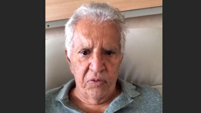 Carlos Alberto se corrige e diz que internação não foi por ingestão de iogurte vencido