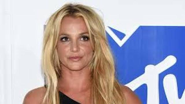 Britney Spears expondrá sus cuadros en Francia
