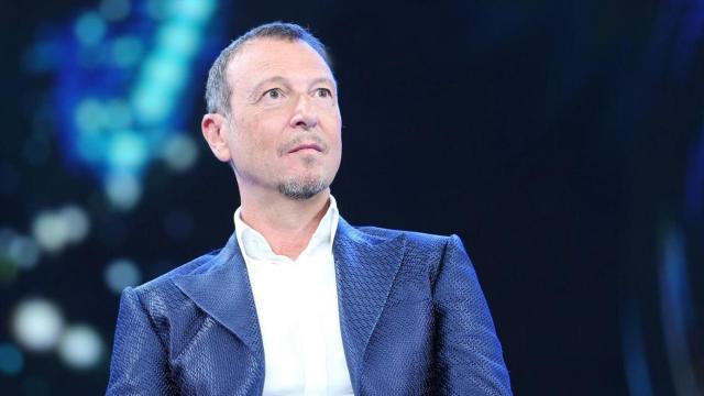 Sanremo, Amadeus e la frase sessista per presentare la Novello: 'sono stato frainteso'