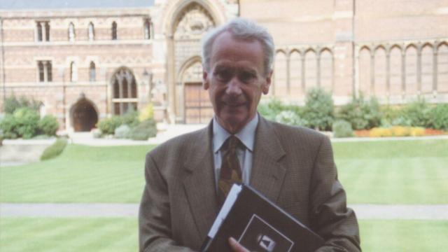Christopher Tolkien, filho do autor de 'O Senhor dos Anéis', falece aos 95 anos de idade