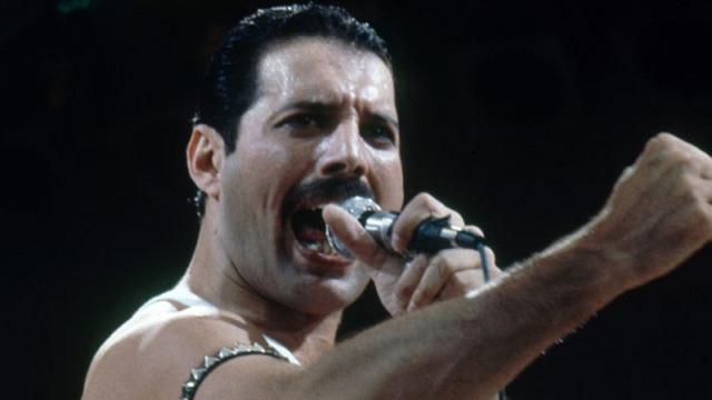 Cinco curiosidades sobre o cantor Freddie Mercury, vocalista do Queen