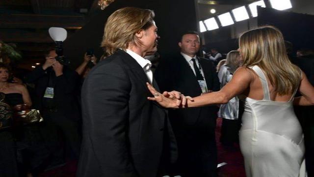 Una fotógrafa capta el reencuentro de Aniston y Pitt en los premios de SAG