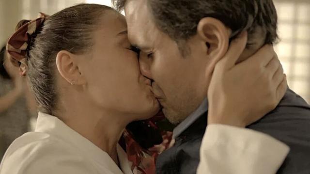 'Amor de Mãe': Leila se vinga de Magno após pedido de casamento e o coloca na cadeia