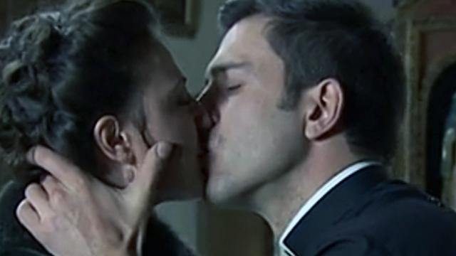 Una Vita, anticipazioni del 26 gennaio: Telmo e Lucia si baciano