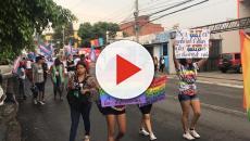 Una caravana LGBT de migrantes pide ayuda a México