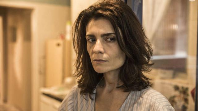 Em 'Amor de Mãe', Arieta Corrêa comenta sobre Leila e conta: 'vítima sim de uma situação'