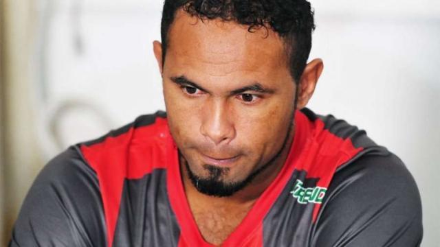Goleiro Bruno perde contrato para voltar ao futebol
