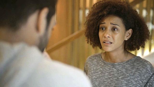 'Amor de Mãe': Sandro culpa Vitória por nunca ter procurado por ele