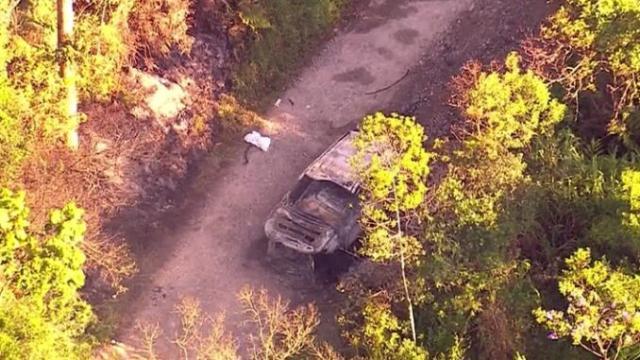 Mulher encontrada carbonizada foi obrigada a dirigir carro com corpos dos familiares