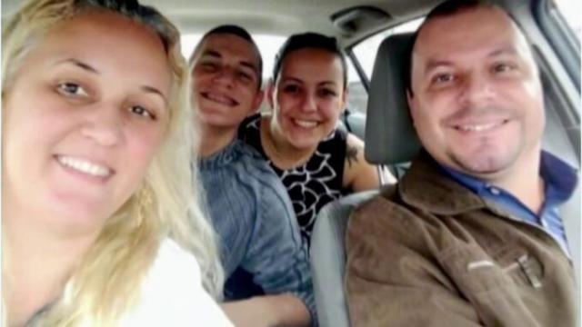 Polícia recua sobre indiciamento de filha suspeita de matar família
