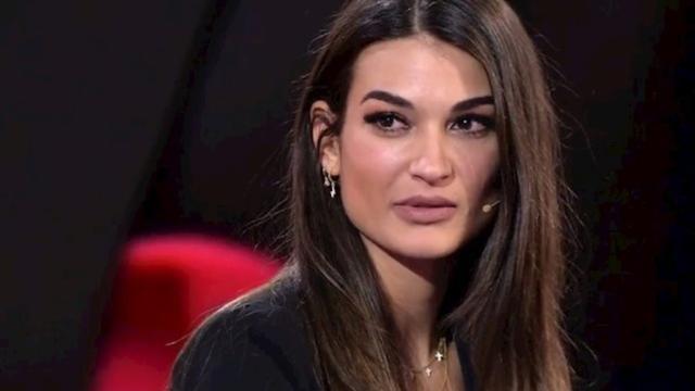 Estela Grande le dice a Adara que se replantee su relación con Gianmarco