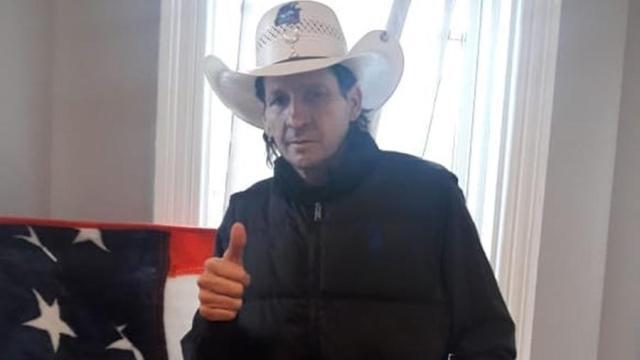 Morre, aos 57 anos, o locutor de rodeios Asa Branca