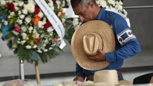 Velório de Asa Branca é marcado por muita tristeza