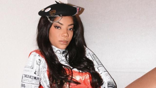 Ludmilla se presenteia com carrão avaliado em torno de R$ 500 mil: 'meu robozão'