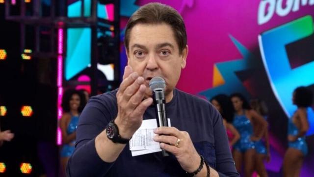 Fausto Silva presta homenagem para Ana Maria Braga durante o 'Domingão do Faustão'