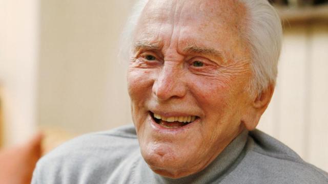 Kirk Douglas falece aos 103 anos de idade
