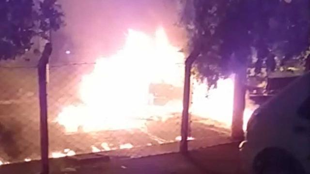 Vídeo mostra carro de cantor da dupla Netto e Henrique em chamas após acidente