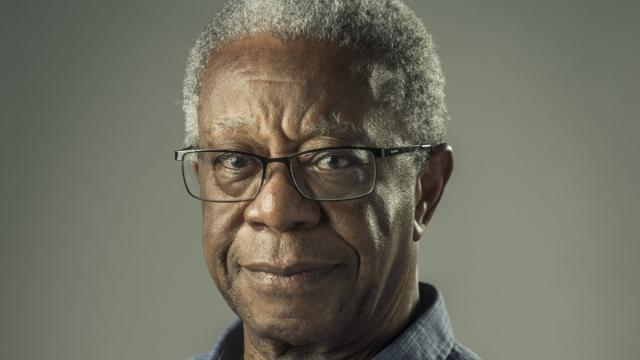 Ator Milton Gonçalves sofre um AVC e estado de saúde inspira cuidados