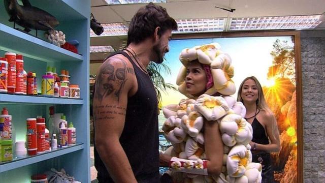 'BBB20': Gabi manda Guilherme escovar os dentes direitinho para poderem 'beijar muito'