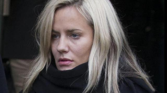Love Island : Animatrice déchue, Caroline Flack s'est suicidée