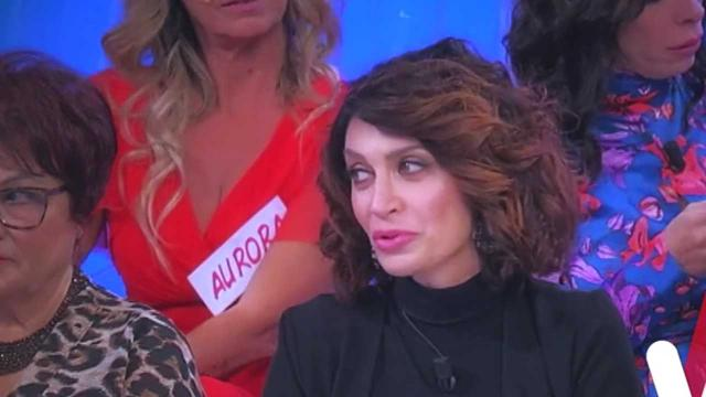 Uomini e Donne registrazione sabato 15/02: Barbara De Santi e Gianni litigano