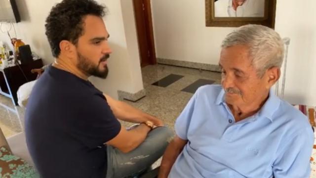 Pai de Luciano Camargo deixa UTI e cantor fala que estava pronto para me despedir