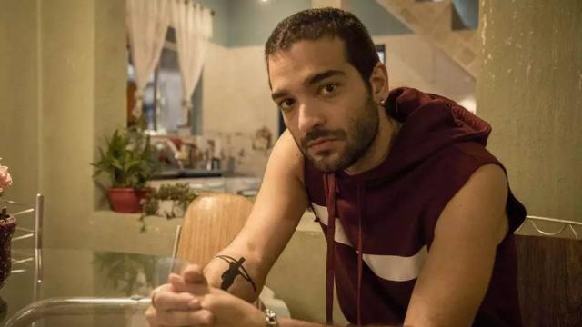 'Amor de Mãe': Sandro fica desconfiado de 'heroísmo' de Álvaro e tenta alertar Raul